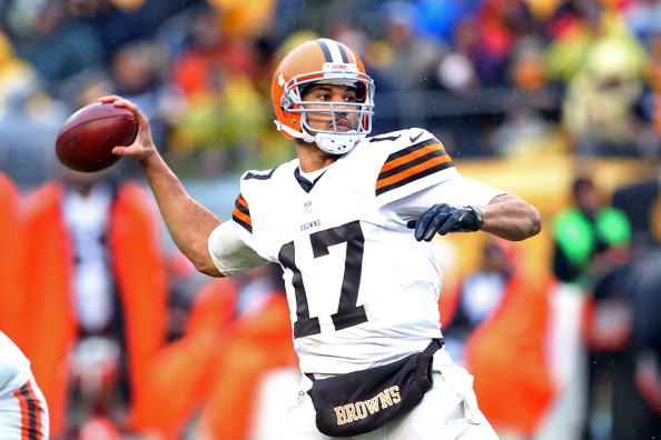 Jason Campbell #17 of the Cleveland Browns  (Photo by Karl Walter/Getty Images)
