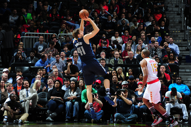 Dirk Nowitzki #41 of the Dallas Mavericks shoots the ball against the Atlanta Hawks on February 1, 2016 at Philips Arena in Atlanta, Georgia.
