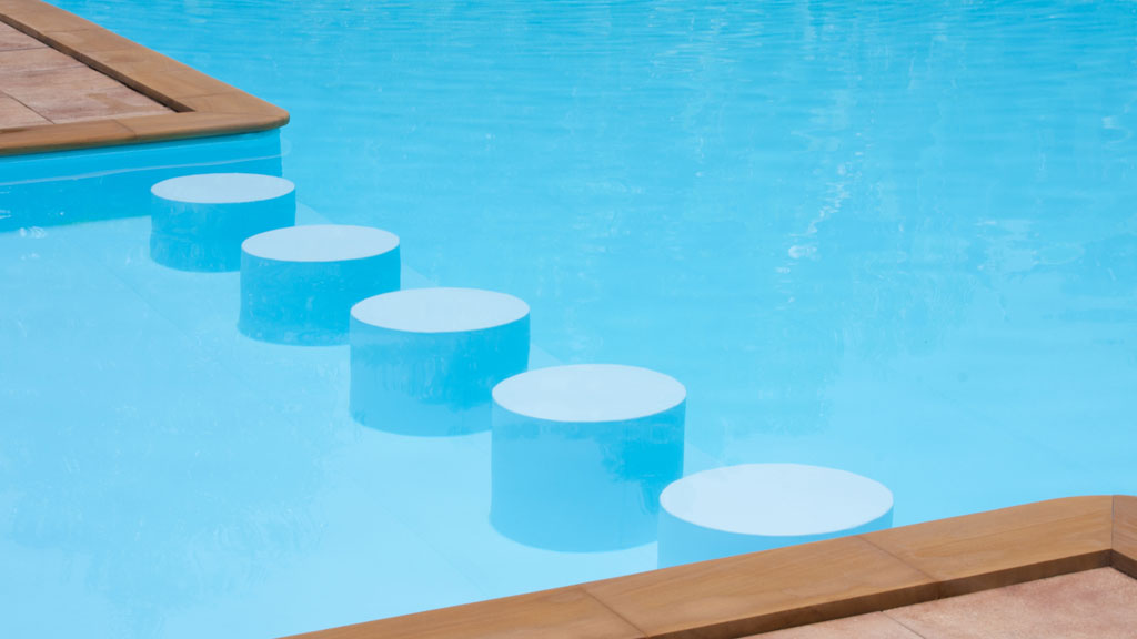 6 Must Have Summer Pool Accessories – CBS Cleveland