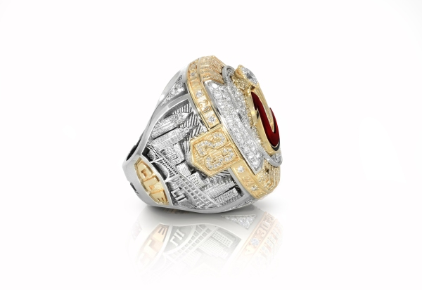 The left shoulder of the Cleveland Cavaliers 2016 NBA Championship ring / (Photo courtesy: Cleveland Cavaliers)